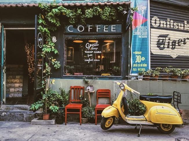 little chair coffee quận 7