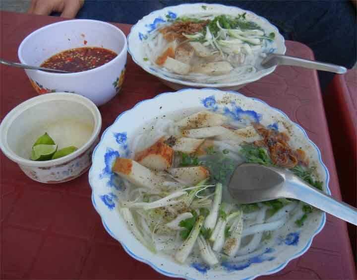 bánh canh chả cá đặc sản phú yên