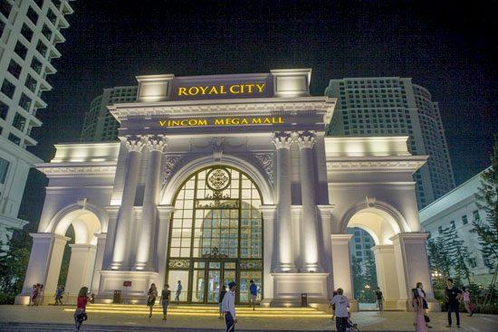 https://camnangtop10.com/wp-content/uploads/2018/08/royalcity.jpg