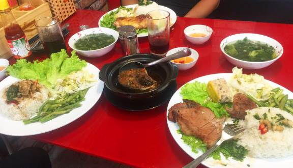Quán Cơm Tấm Quận Phú Nhuận Sài Gòn